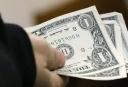 ФРС: 23% американцев не платят по счетам, у 44% нет денег на лишние расходы