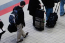Усталость от «стабильности» и вранья: почему россияне покидают Родину?